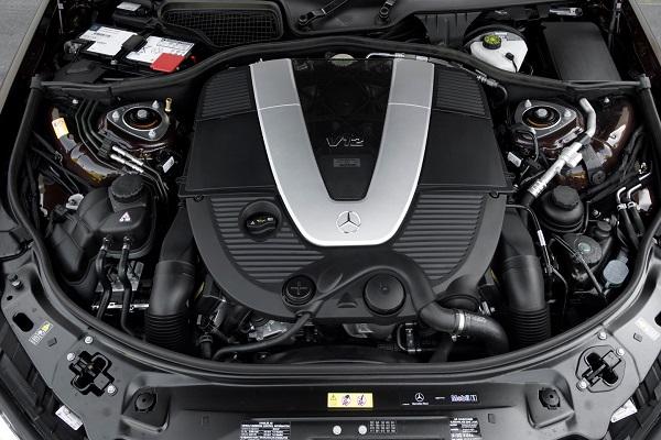 تصویر شاخص موتور ۱۲ سیلندر پرقدرت